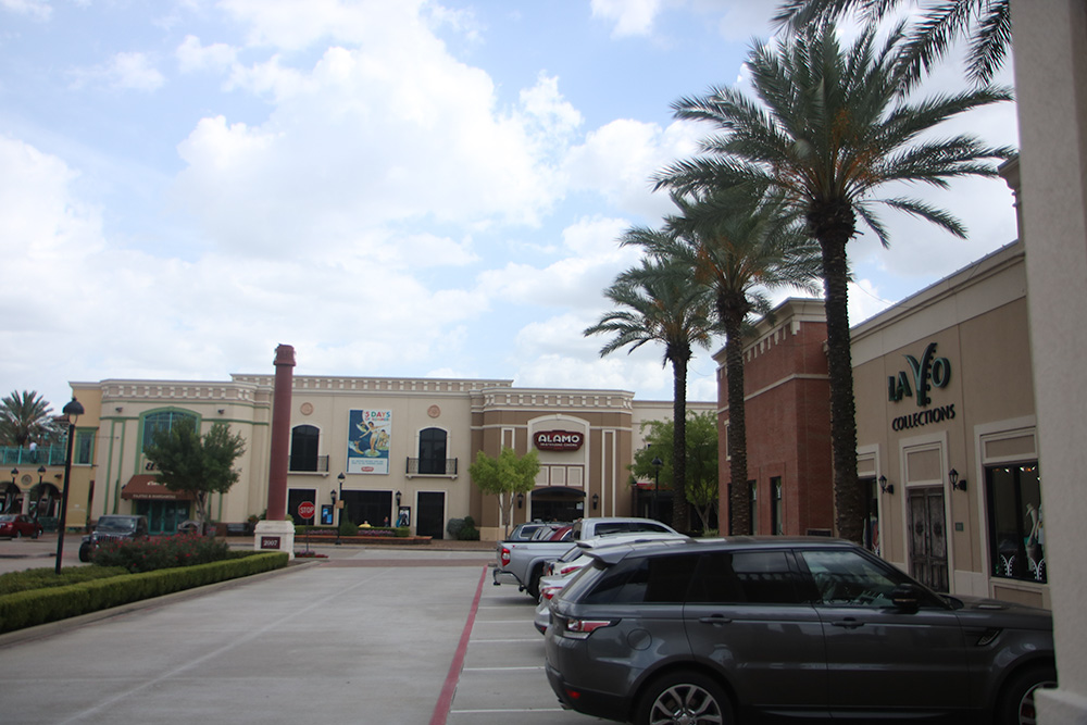 Shopping Center in Houston TX